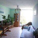 """בשמשון,רח' חביב אבשלום, דירת 2.5 חדרים בקומה 3 מתוך 4. דירה מושקעת, בקירבת פארק לאומי וחוף הים.מחיר: 580000 ש""""ח"""