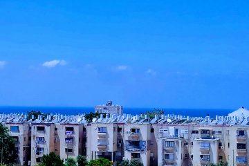 """למכירה בשכ' שמשון,רח' בן עטר,דירת 3 חד' עם נוף פתוח לים!ממ""""ד,מרפסת שמש .מיזוג מיני מרכזי,2 שירותים,קומה 7 מתוך 8 .בניין מטופח עם 2 מעליות,חנייה בשפע"""